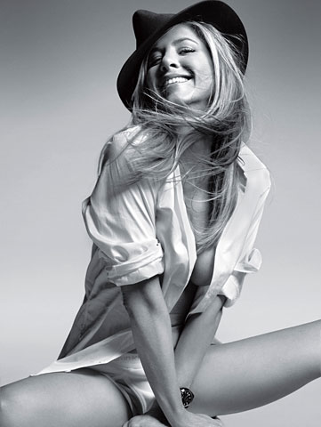 Jennifer Aniston Poses for GQ
