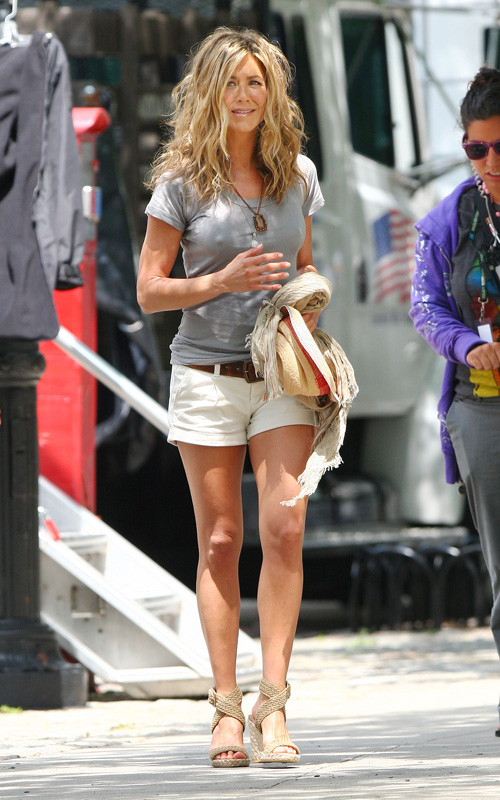Jennifer Aniston In Stuart Weitzman Alex Wedge