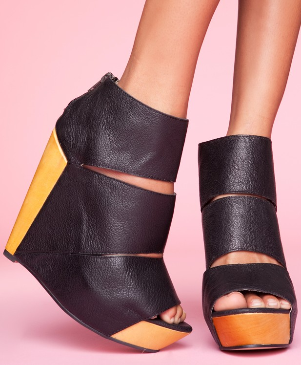 M Shoes Wedge