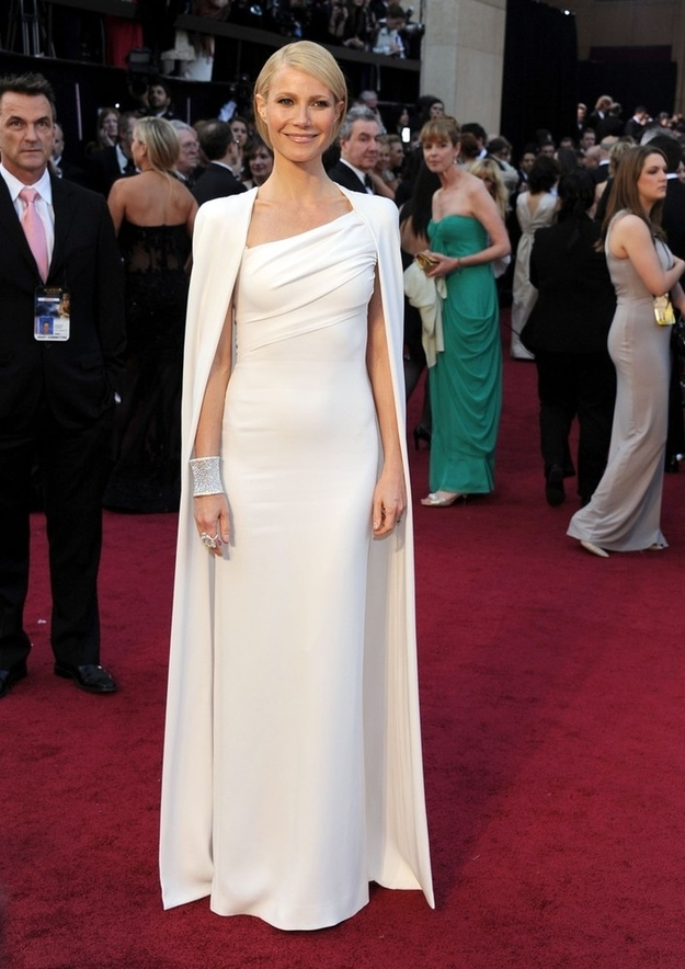 Oscar 2012 Gwyneth Paltrow in Tom Ford Cape Dress