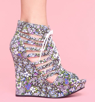 Nasty Gal Magic Platforms
