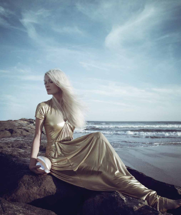modern mermaid via Fashion Hippo
